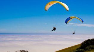 Kıbrıs'ta Heyecan Verici Bir Aktivite: Yamaç Paraşütü